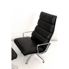 105612 softpad lounge chair ea438 ottoman ea423 charles eames usa 1969