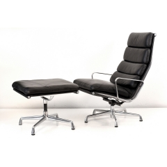 SOFTPAD LOUNGE CHAIR EA 438 mit OTTOMAN EA 423 - CHARLES EAMES - USA - 1969