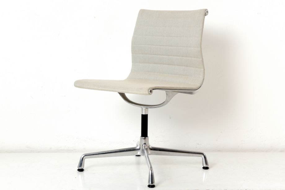 VISITOR'S CHAIR - EA 105 - CHARLES AND RAY EAMES - VITRA - GERMANY - 1958