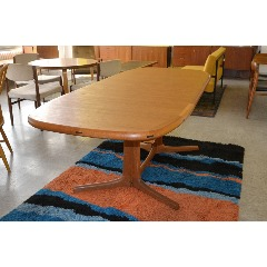 DINING TABLE - TEAK - EXTENDABLE - DYRLUND