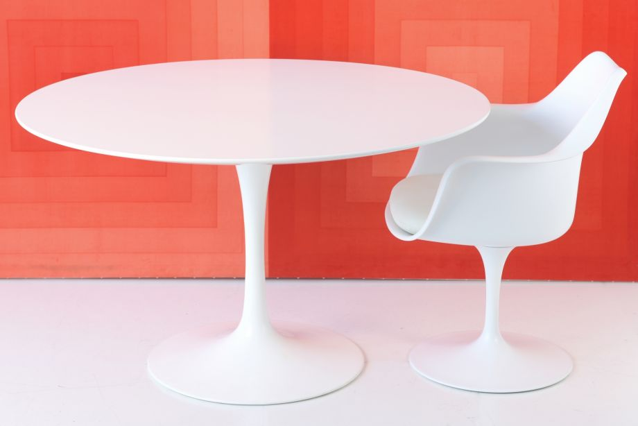 TULIP TABLE - EERO SAARINEN - KNOLL INTERNATIONAL - 1956